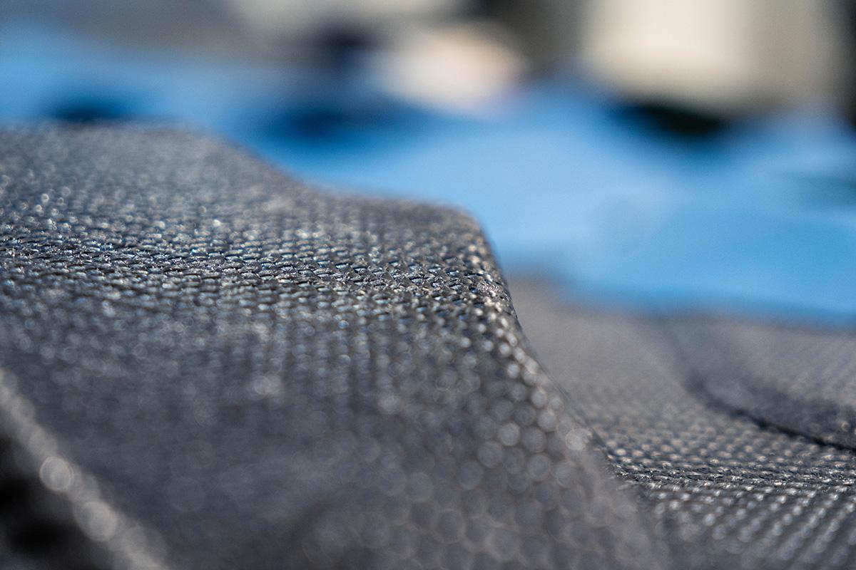 Schwarze Matte aus Carbonmaterial
